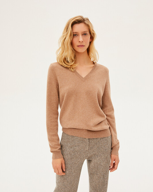 Classic V-neck sweater - Camel