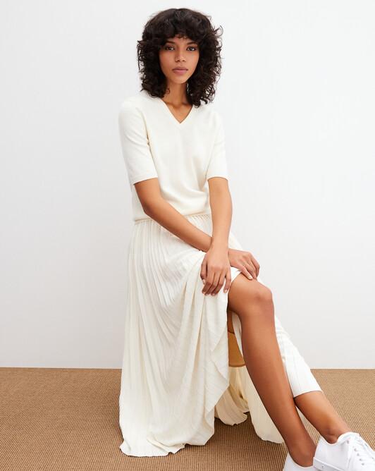 Timeless short-sleeved V-neck pullover - Autumn white