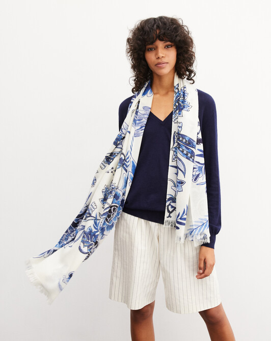 Blue thistle printed stole 180cm x 85cm - Autumn white