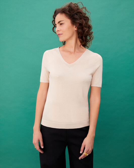 Pull V manches courtes ultrafin contemporain - Nougat
