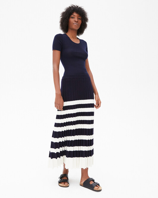 Two-coloured stripes long pleated skirt - Autumnwhite/navy blue
