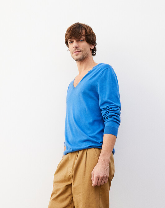 Summer V-neck pullover - French blue