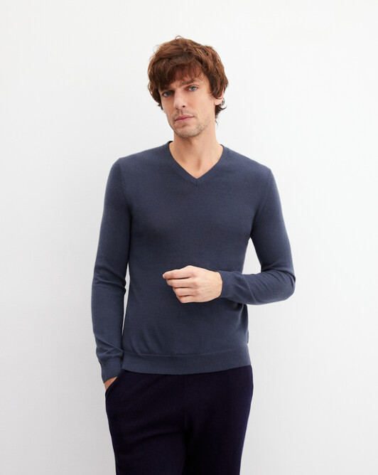 Contemporary extrafine V-neck pullover - Incense