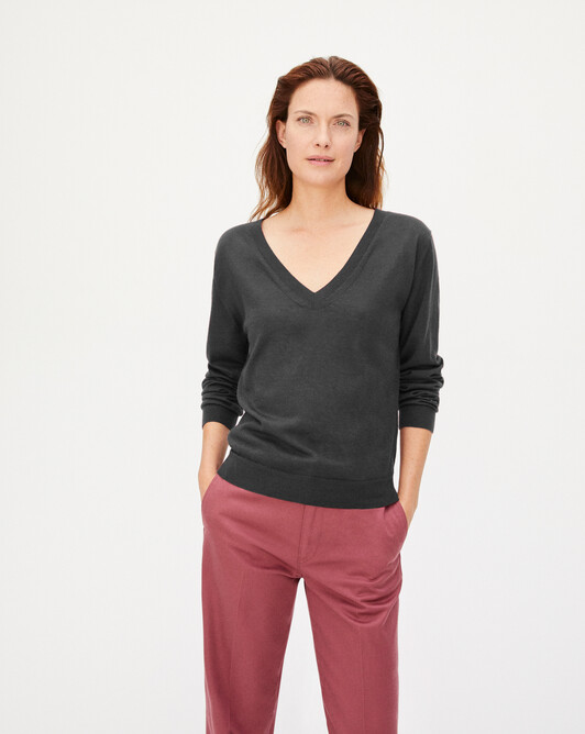 Pull V ultrafin contemporain - Loup