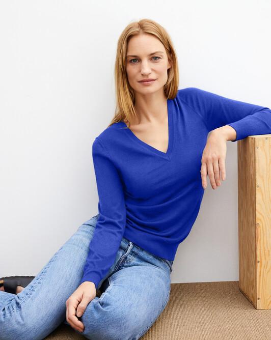 Extrafine oversized V-neck pullover - Electric blue