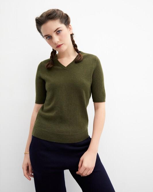 Timeless short-sleeved V-neck pullover - Kale