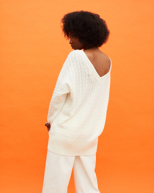 Cricket cable stitch back v-neck sweater - Autumn white