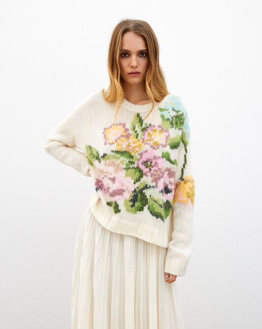 Hand-embroidered flower maxi crew neck pullover - Milk