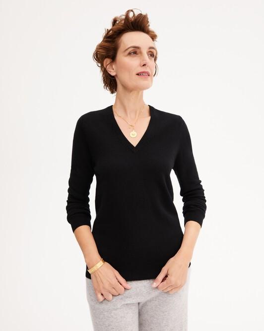 Classic V-neck pullover - Black