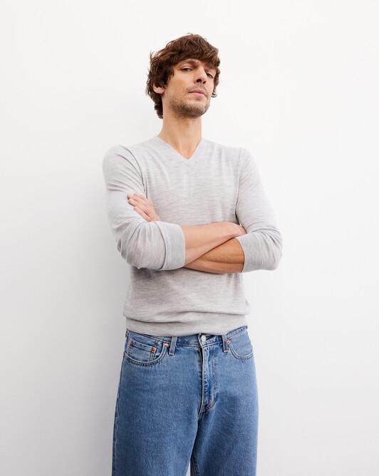 Extrafine V-neck sweater - Frost grey