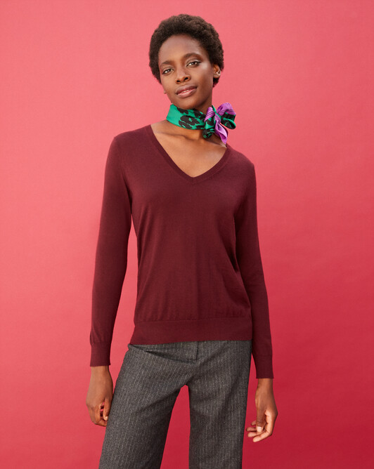Contemporary extrafine V-neck pullover - Azuki