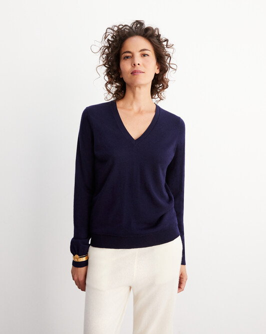 Contemporary extrafine V-neck pullover - Navy blue