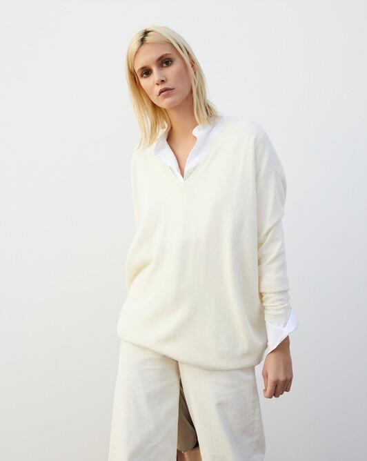 Extra large V-neck - Autumn white