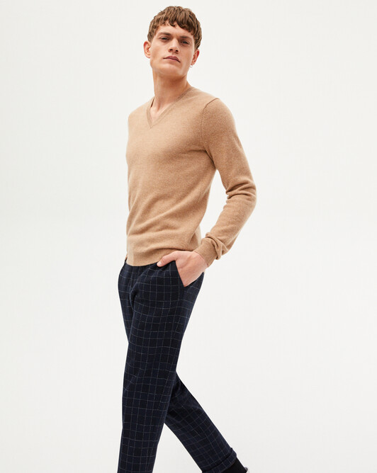 Fitted V-neck sweater - Camel