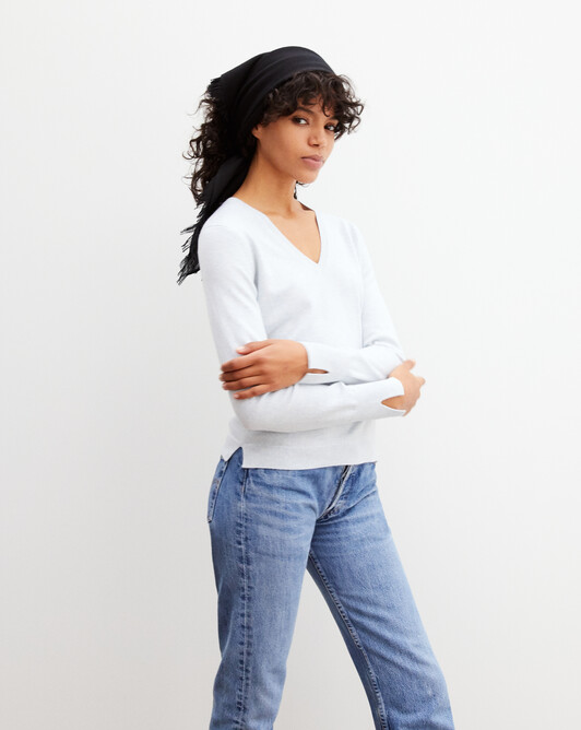 Fitted V-neck pullover - Cloud blue