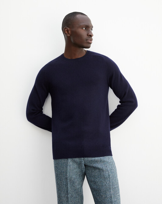Fitted crew neck pullover with offset shoulders - Navy blue