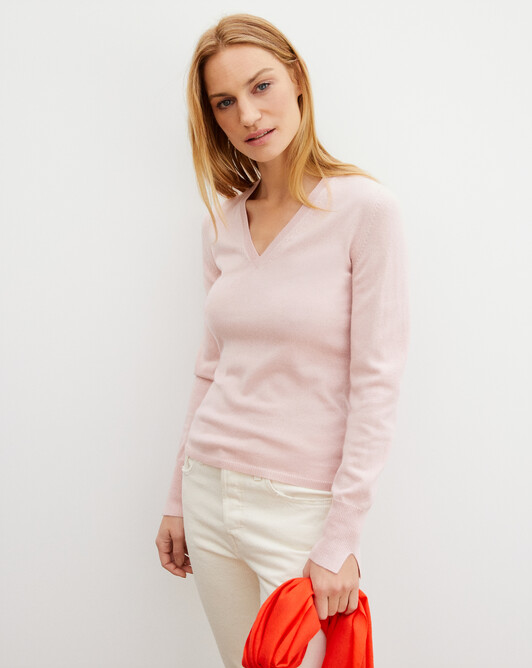 Fitted V-neck pullover - Dragee pink