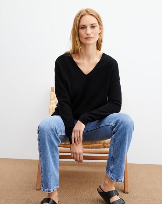 Extra large V-neck - Black