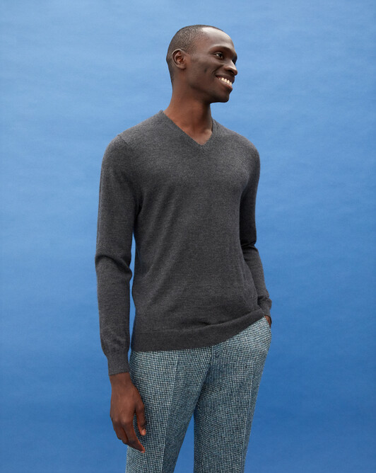 Pull V ultrafin contemporain - Anthracite