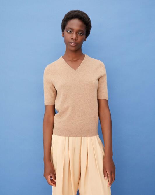 Timeless short-sleeved V-neck pullover - Camel