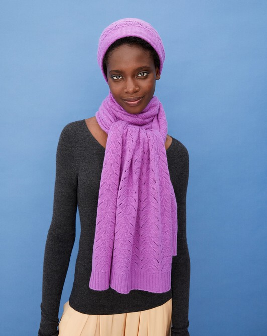 Airy cable-stitch scarf 175 cm x 50 cm - Allium