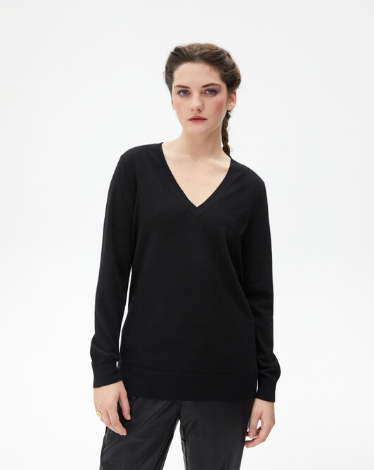 Extrafine oversized V-neck pullover - Black