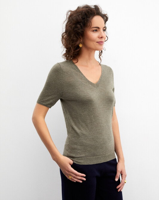 Contemporary extrafine short-sleeved V-neck - Khaki
