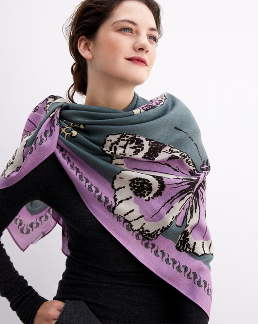 Giant butterfly print square scarf 120 cm x 120 cm - Horizon/clematis