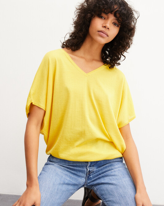 Extrafine batwing V-neck pullover - Canari yellow
