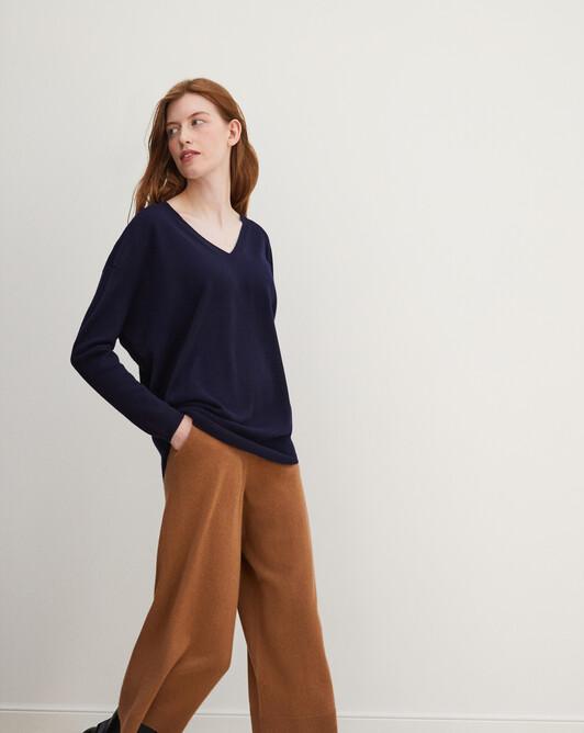 Extra large V-neck - Navy blue