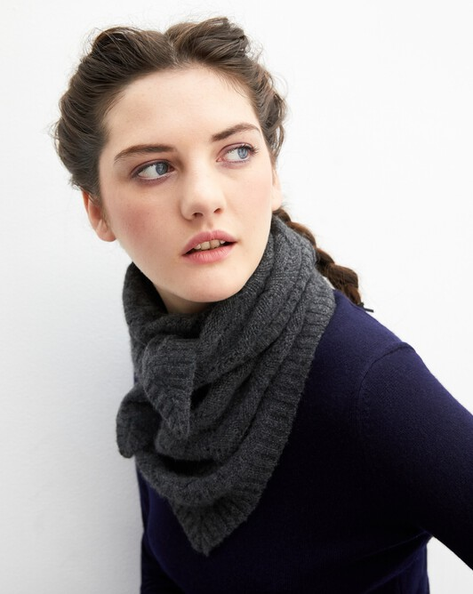 Airy cable-stitch shawl 115 cm x 85 cm - Charcoal grey