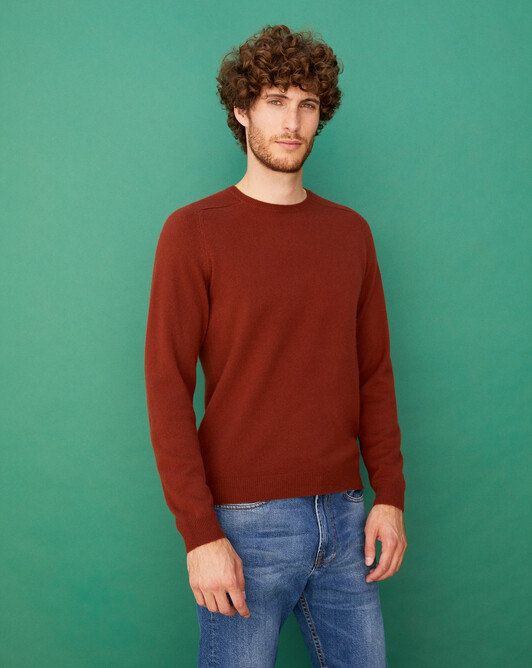 Fitted crew neck pullover with offset shoulders - Chestnut